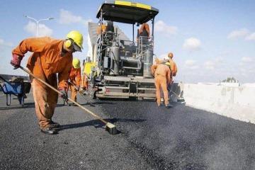 A pesar de todo el ajuste en obra pública, el Gobierno no pudo bajar el déficit total