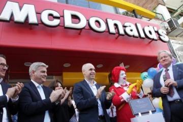 Insólito: Larreta comparó el negocio privado de un McDonald's en Villa 31 con las escuelas que debería abrir su gestión