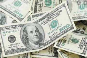 La incertidumbre en el gobierno nacional se replica en el dólar: llegó a 60 pesos en la city porteña