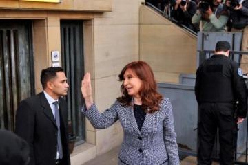 En la antesala de la campaña hacia octubre, la justicia autorizó a Cristina a viajar a Cuba a visitar a Florencia