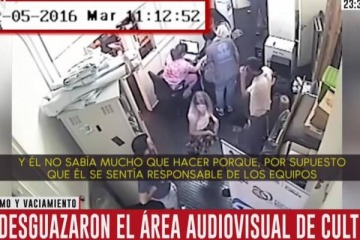 Escandaloso: el video que expone a la pareja de Pablo Avelluto desvalijando el Ministerio de Cultura