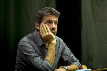 """Entre la """"sobreactuación de Vila"""" y """"el abuso de poder de Macri y Aguad"""" ¿Qué dijo Martín Becerra sobre la polémica desatada por el dueño de América?"""