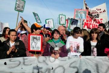 Grave: denuncian que la policía de Vidal espía y amenaza a familiares de las víctimas de la masacre de Monte
