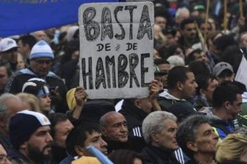 """""""Hambre"""" y """"miseria a niveles insospechados"""": en Londres vaticinan una derrota de Macri por la profunda crisis social"""