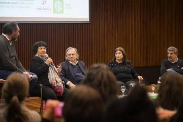 Trabajadores y referentes de Todos se reunieron para elaborar un plan para poner de pie a la ciencia y la tecnología