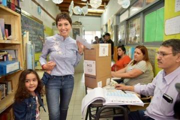 Mayra Mendoza denunció irregularidades en distintas escuelas de Quilmes