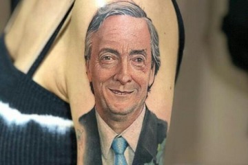 Una intendenta electa del Conurbano se tatuó la cara de Néstor Kirchner