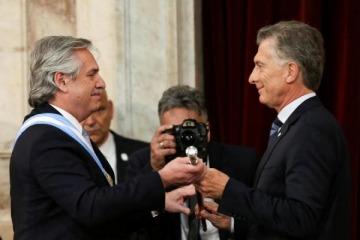 Mientras que la gestión Macri se fue con 55% de imagen negativa, Alberto arranca con un 50% de expectativa positiva