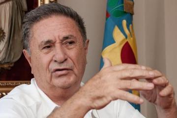 """Duhalde tras reunirse con CFK: """"Siento la obligación de ayudar a mi gobierno"""""""