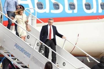 Alberto volvió de Israel, pero en tres días vuela a Europa a reunirse con el Papa y tres presidentes