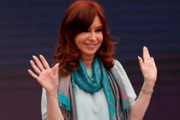 Cristina citó una nota de La Nación para desmontar una vergonzosa operación de Infobae sobre el default de 2001