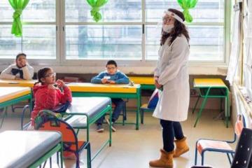 Regreso escalonado: vuelven en agosto las clases presenciales para los chicos de nueve provincias