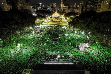 """El Gobierno aseguró tener """"listo"""" el proyecto para legalizar el aborto y destacó que Argentina """"tiene una población muy atenta a los derechos"""""""
