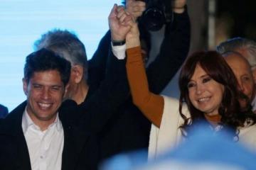 Kicillof expuso las operaciones de los medios contra la cuarentena y Cristina salió a bancarlo en redes