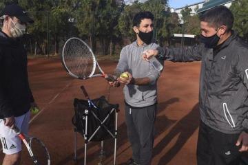 Golf, tenis y hoteles: qué actividades vuelven en la Ciudad a pesar de la alta ocupación de camas