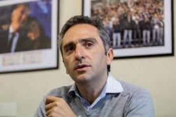 """Toma de tierras: Larroque criticó el """"oportunismo"""" de la oposición"""