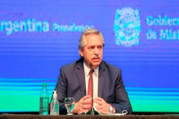 """Alberto anunció que el aislamiento sigue """"exactamente en las mismas condiciones"""" en las provincias más afectadas"""