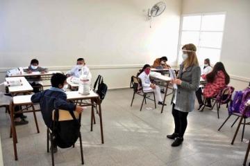 Larreta adelantó por decreto las vacaciones de docentes y los alumnos volverían a clases a mitad de febrero