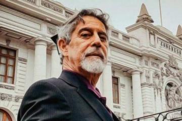 En plena crisis social y política, el Congreso de Perú eligió como nuevo presidente interino a un parlamentario centrista