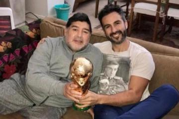 """La muerte de Diego: el médico Leopoldo Luque fue allanado y quedó imputado por """"homicidio culposo"""""""