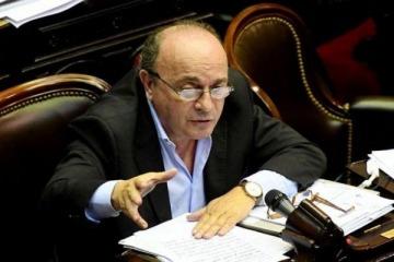 Grave: atacaron y amenazaron de muerte a Moreau, presidente de la Bicameral que investiga el espionaje macrista