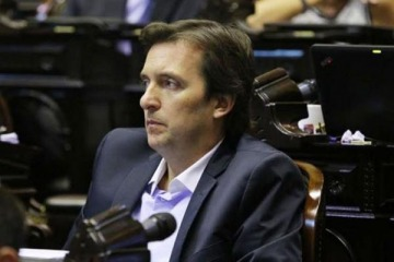 Piden expulsar al diputado de JXC procesado por violencia de género que busca proteger a los varones