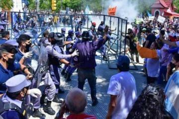 Protestas e incidentes en Formosa contra la vuelta a fase 1 y el macrismo busca profundizar el conflicto