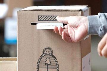 Kicillof oficializó las elecciones a la espera de la postergación de las PASO que negocia Nación