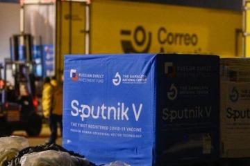 Llegaron al país otras 500 mil dosis de la vacuna Sputnik V y Argentina tiene 12,6 millones unidades