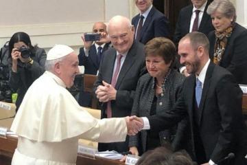 Convocados por Francisco, Guzmán y la titular del FMI compartirán un panel sobre deuda en el Vaticano