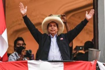 Perú: Pedro Castillo se adjudicó el triunfo en el balotaje presidencial