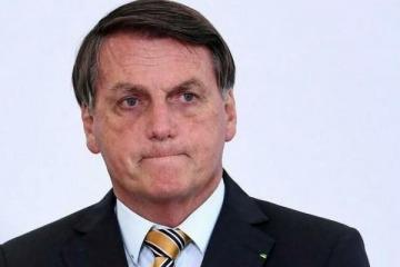 Jair Bolsonaro fue internado de urgencia en un hospital de Brasil