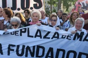 """Abuelas de Plaza de Mayo celebra la campaña """"El Mejor Encuentro"""" para el Día de la Abuela"""