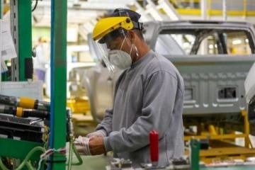 El sector privado recuperó más de la mitad del empleo perdido por la pandemia