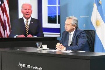 """Alberto Fernández reclamó ante Biden """"eliminar sobretasas y extender plazos de pago"""" por deuda con el FMI"""