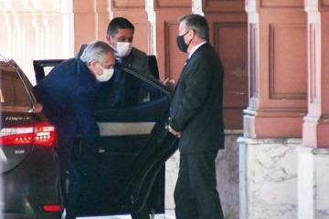 Alberto está en Casa Rosada: entran y salen funcionarios en la definición del futuro gabinete
