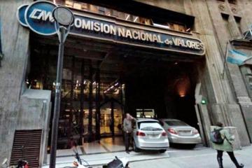 Comisión Nacional de Valores anunció medidas para limitar la operatoria del dólar financiero y contado con liquidación