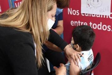 Más de 100.000 niños fueron vacunados en todo el país y Provincia avanza con segundas dosis en adolescentes