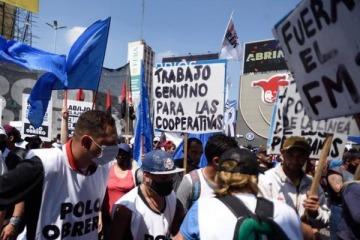 """Zabaleta se reunió con organizaciones piqueteras y acordaron """"compatibilizar"""" planes y empleo"""
