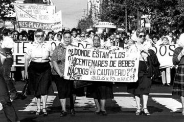 """Día del Derecho a la Identidad: 44 años de las Abuelas de Plaza de Mayo y """"Argentina Unida te busca"""""""